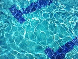 Piscina olímpica, natación, salvavidas