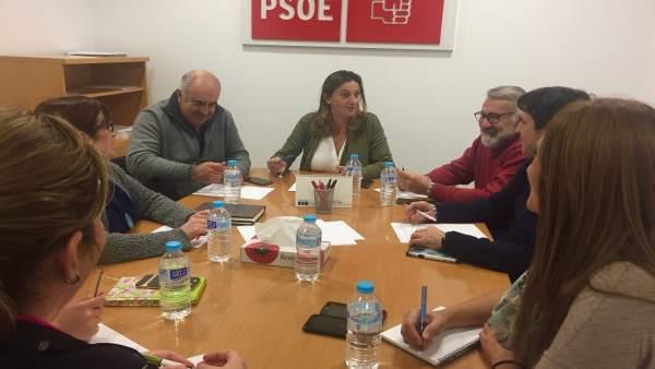 Reunión en el PSOE para abordar líneas de trabajo.