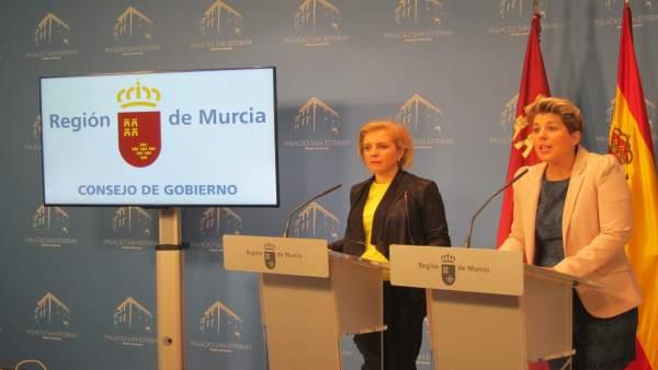 Noelia Arroyo, A La Derecha, Durante La Rueda De Prensa