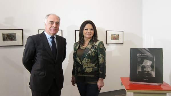 José Luis Rodrigo y Magdalena Lasala han presentado hoy el libro 'Goya grabador'