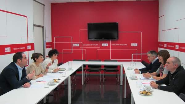 Reunión entre las delegaciones del PSN y el PSE-EE