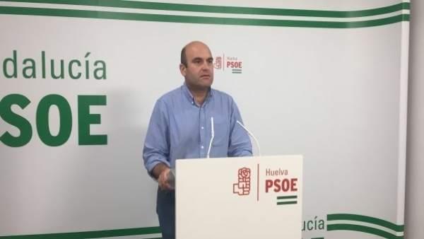 Alexis Landero, portavoz del PSOE en el Ayuntamiento de Cartaya.