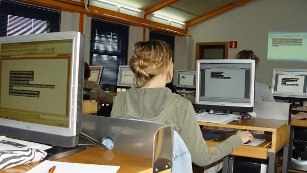 Centro Municipal de Formación de Camargo, ordenadores, informática, cursos
