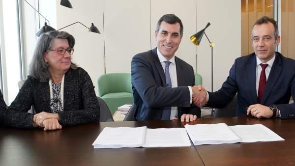 Firma del acuerdo entre EDP y General Electric
