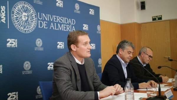 Junta y UAL colaborarán para la conservación de artales