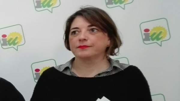 Elena Cortés en la sede de IU en Córdoba