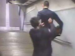 Detenido un joven por una brutal agresión a otro en el Metro de Barcelona