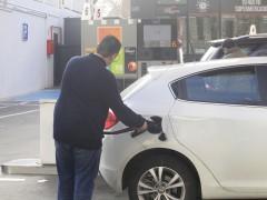 Diez trucos para ahorrar combustible y conducir de manera más eficiente
