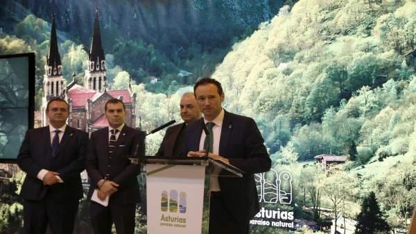Guillermo Martínez presenta Covadonga Centenarios en Fitur