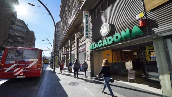 Tienda Mercadona en la Gran Vía de Murcia