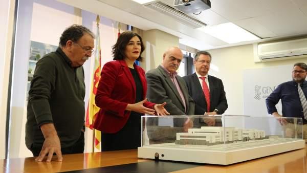 Montón presenta la maqueta del nou centre de salut i especialitats de l'Espai Campanar, que conclouran en 2020