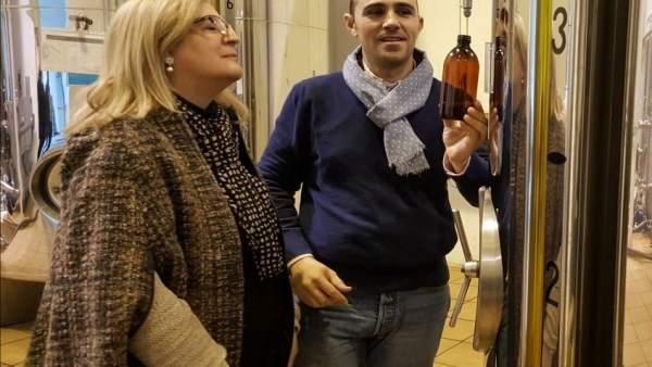 Toma de muestras en Galgón 99 para el Premio al Mejor Aceite de Oliva.