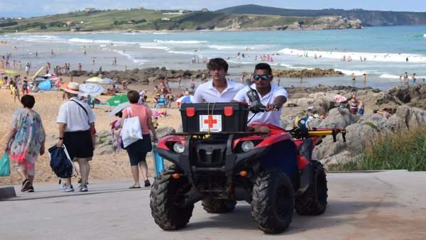 Salvamento y Socorrismo en verano. Playas. Rescates. Emergencias. Cruz Roja