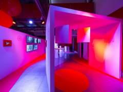 'Siente el color', la exposición que redescubre el rojo