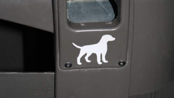 Papelera con bolsas para las cacas de perro Madrid