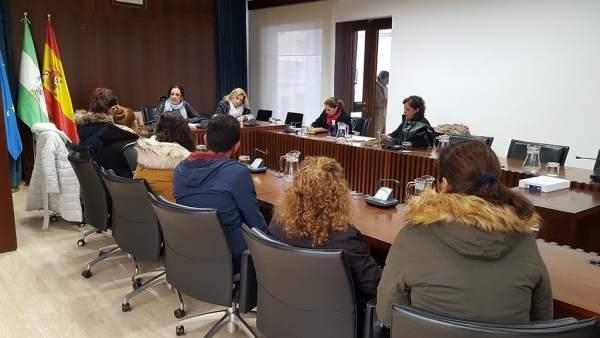 Reunión entre el Ayuntamiento de Cartaya y padres del colegio Concepción Arenal.