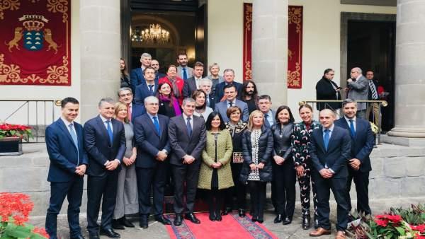 Foto de familia de Coprepa y autoridades encabezadas por el presidente Clavijo