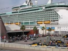 Ajuntament y Port de Barcelona acuerdan reducir a 7 las terminales de cruceros