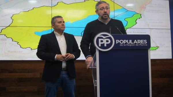 Víctor Martínez y Jesús Camo en rueda de prensa