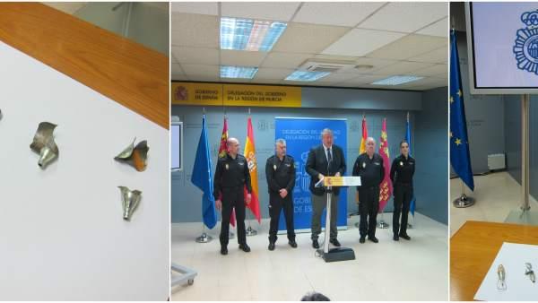 Imagen de los restos de explosivos y de la rueda de prensa