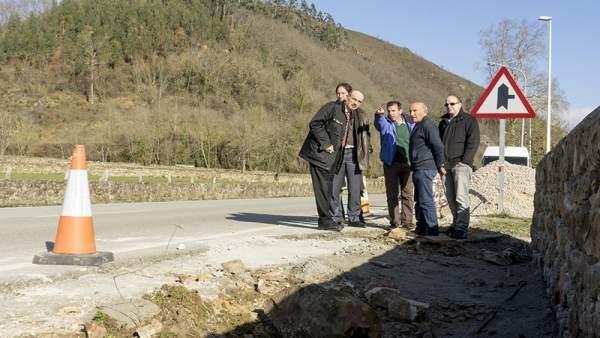 Mazón visita la construcción del paseo peatonal de Valle