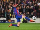 Sergi Roberto tras lanzar a portería en el partido del PSG