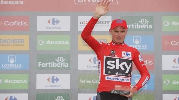 Chris Froome con el maillot de líder de La Vuelta
