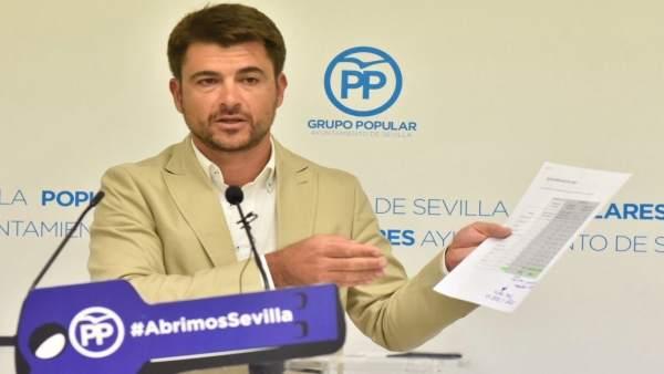 Beltrán Pérez en rueda de prensa.