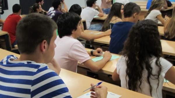 Alumnos, Estudiantes, Examen, Selectividad, PAU, Universidad De Sevilla.