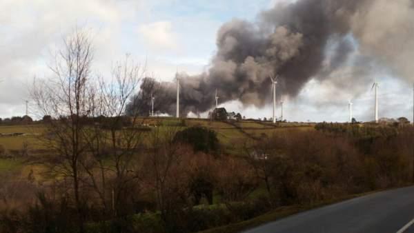Incendio en la planta de Sogarisa en As Somozas