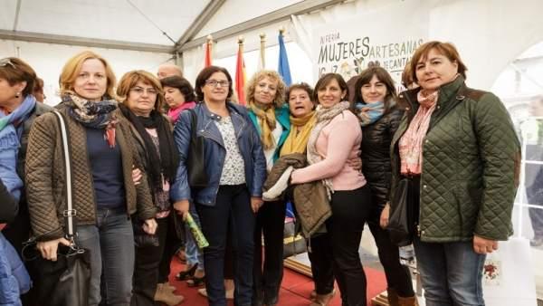 Díaz Tezanos en la Feria de Mujeres Artesanas (Archivo)