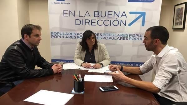 Soler con los miembros de la fundación