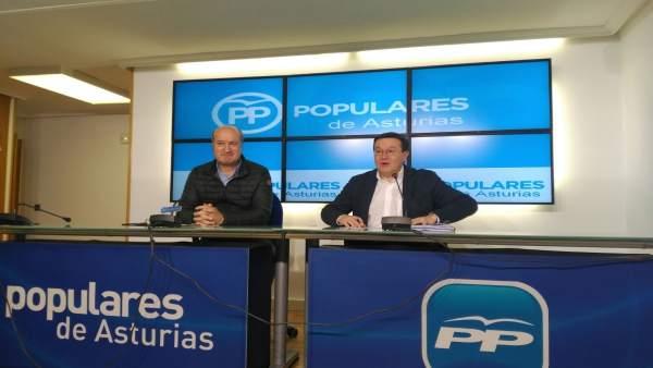 Luis Venta Cueli y Rafael Alonso en rueda de prensa.