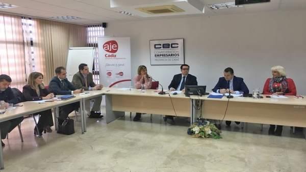 Reunión entre el PP de Cádiz y la nueva directiva de AJE Cádiz