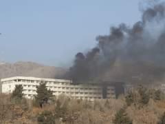 Al menos seis muertos en un ataque contra el hotel más importante de Kabul