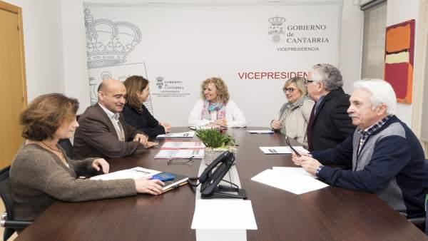 Díaz Tezanos se reúne con AMICA