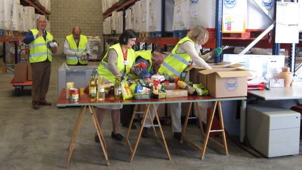 Imagen de archivo de voluntarios en un Banco de Alimentos