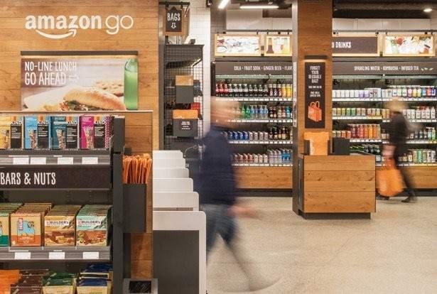 Abre Amazon Go, el supermercado sin cajeros, aunque con un año de retraso
