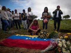El Gobierno venezolano entierra a Óscar Pérez sin atender a los deseos de su familia