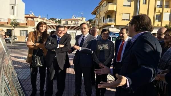 Felipe López consejero fomento en velez con alcalde antonio moreno ferrer