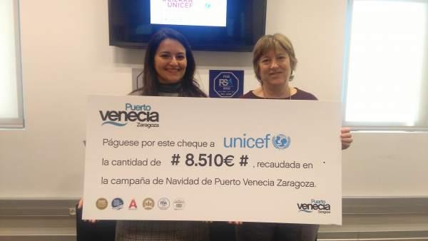 Eva Marín y Pilar de la Vega, en Puerto Venecia, Zaragoza