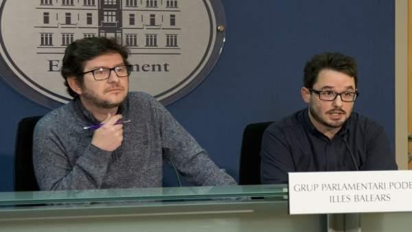 Los diputados de Podemos Alberto Jarabo y Carlos Saura