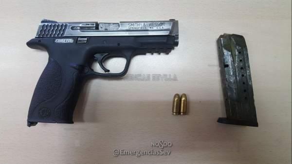 Pistola intervenida a un varón en Sevilla