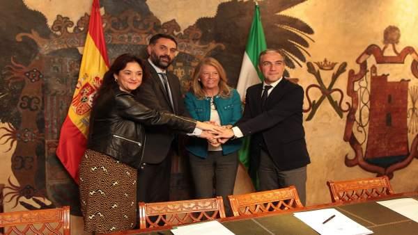 Firma acuerdo patrocinio Copa Davis en Marbella