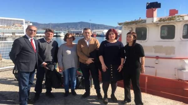 El PSOE visita el centro de acogida temporal de inmigrantes
