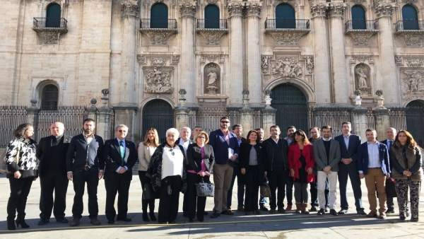 Reunión de 'Jaén merece más' con dirigentes políticos en noviembre de 2017.
