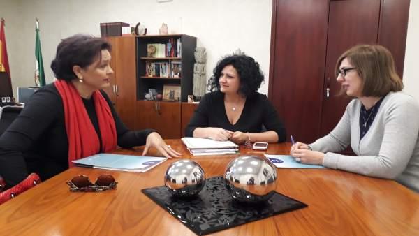 Reunión con la nueva presidenta de Faecta en Jaén, Lola García Fuentes.