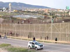 El Gobierno devuelve a 55 inmigrantes que saltaron a Melilla