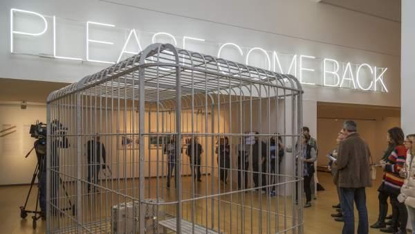 Recorrido por la exposición 'Please Come Back. ¿El mundo como prisión?'