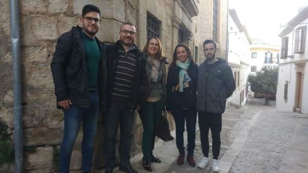 Encuentro de concejales del PSOE con miembros de la asociación Torre del Concejo